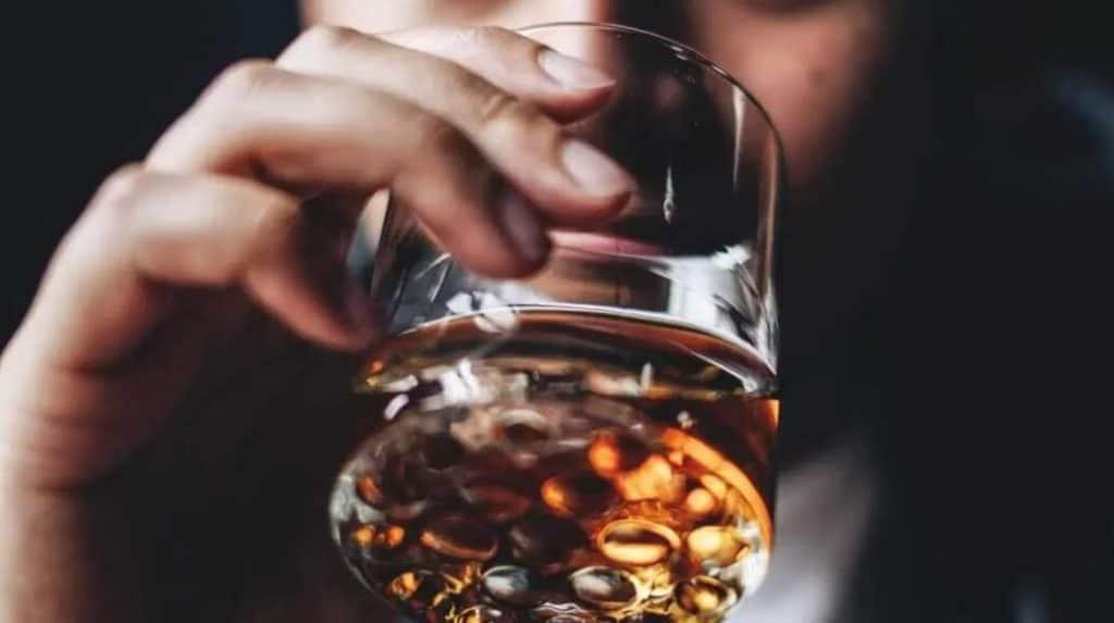 alcohol cause sleep apnea