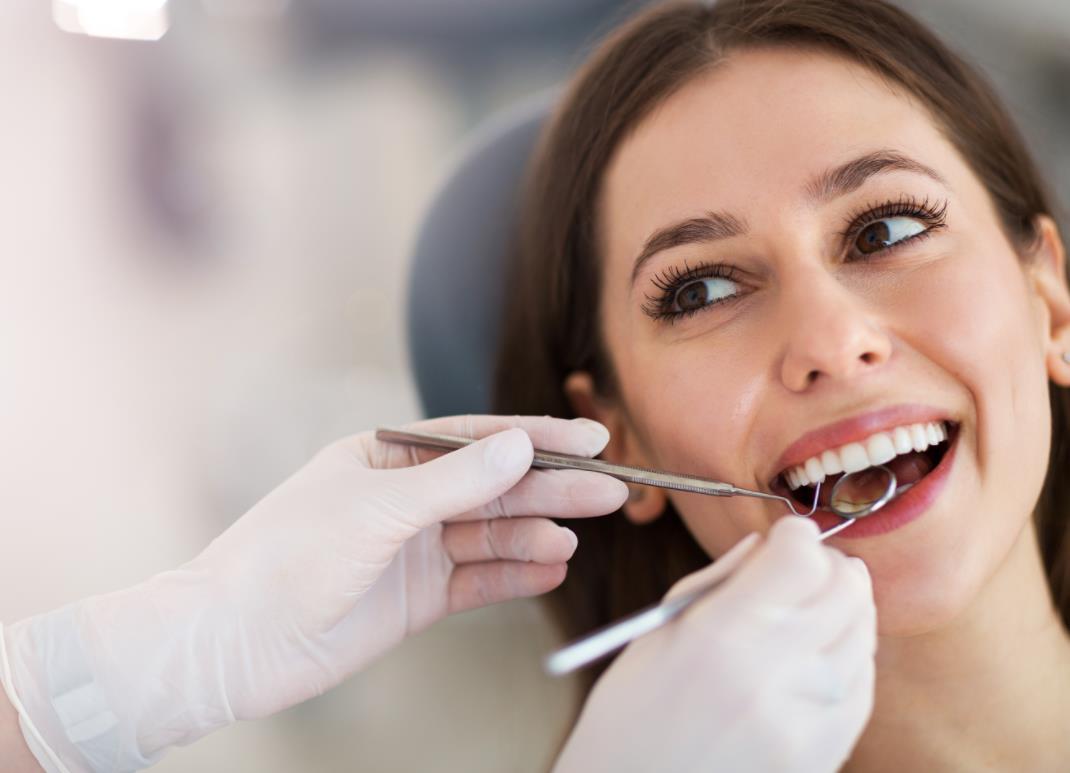 supervise the adjustment of dental device