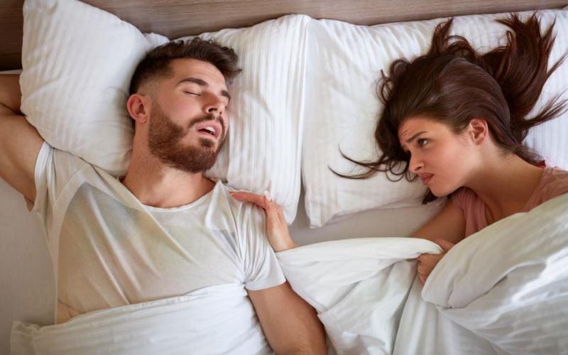 Symptoms of REM Sleep Behavior Disorder